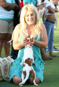 Brooke Hogan filming on the campus of Florida Atlantic University